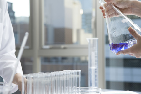 researchers: Women researchers have studied the liquid Erlenmeyer flask
