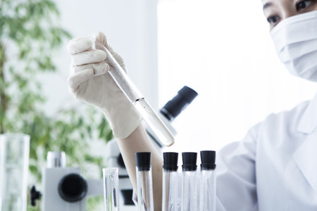 시험관의 근접. 의료 유리 제품. 스톡 콘텐츠
