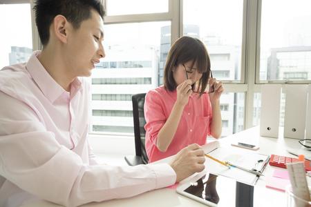 bisiness: Designers to hold meetings on weekdays afternoon.