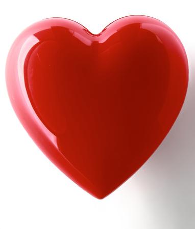 Een rood hart op een witte achtergrond