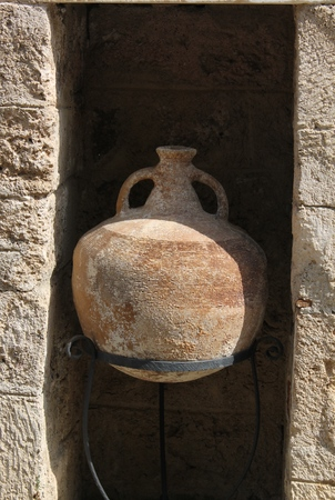 archaeologists: Antique jars and amphorae raised by archaeologists from the bottom of the Aegean Sea