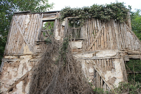habitable: Old ruined house in the Turkish village Stock Photo