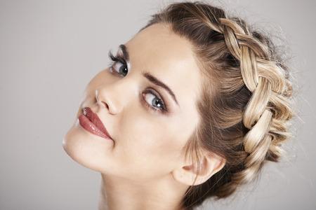 Vrouw haarstijl portret. geïsoleerd Stockfoto