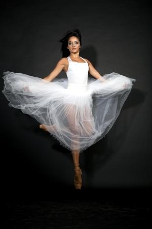 20 24 years old: Ballerina in romantic tutu