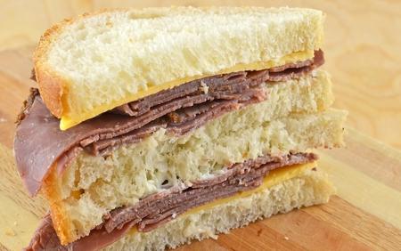 Cold Roast Beef And Cheddar Sandwich Reklamní fotografie