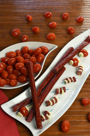 モッツァレラチーズとトマトの燻製牛肉ピーマン