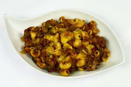 tomate: Cheeseburger gratin de macaroni aux champignons oignon et la tomate