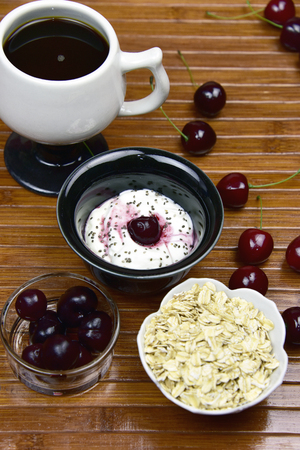 Probiotic yogurt with cherries chia seeds and oatmeal Stockfoto