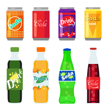 Set of soft drinks in plastic and aluminum packaging. Carbonated water with different flavors. Vector, illustration in flat style isolated on white background EPS10. Vettoriali