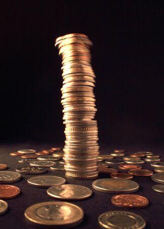 vibrating: Vibrating column of coins