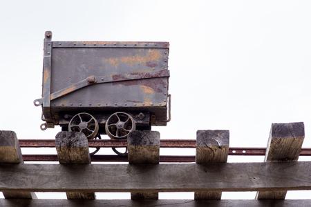 古い金鉱山鉄道カート チャーター タワー、オーストラリアで展示
