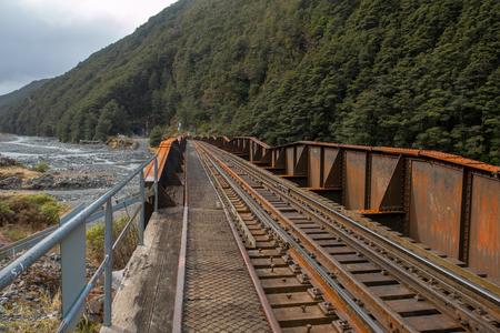 Iron railway bridge at Arthurs Pass, Canterbury Stockfoto
