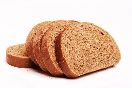 tranches de pain: pain isolé sur un fond blanc