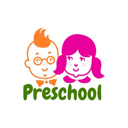 就学前のロゴデザイン。子供スタジオのロゴのコンセプト。 EPS 10 ベクトル テンプレート。白で隔離。  イラスト・ベクター素材