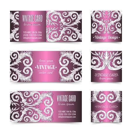 Cartes de visite violettes ornées élégantes baroques françaises. Conception luxueuse de flyer ornemental à la mode. Décoration d'ornement fantaisie vintage. Embellissement rétro pathétique. Modèle de brochure vecteur EPS 10