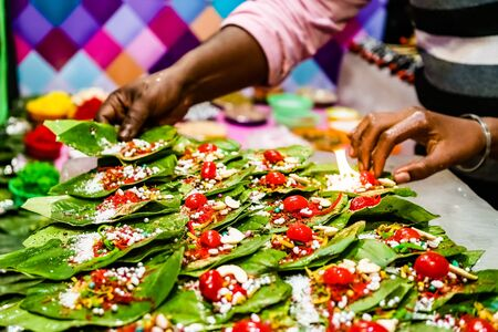 collection of betel leaf banarasi paan and fire paan displayed for sale at a shop. Reklamní fotografie