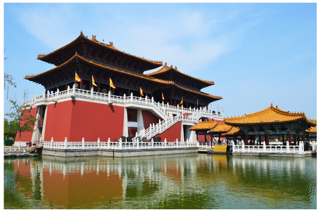 landscape riverside: Kaifeng qingming Riverside Park Editorial