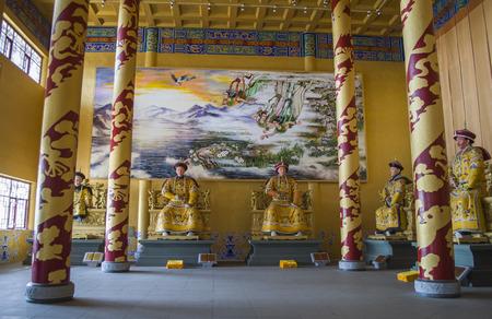 劉鼎シャン、敦化で先祖の寺院の内部ビュー