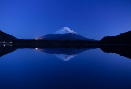 hushed: Mt.Fuji in silent early morning Stock Photo