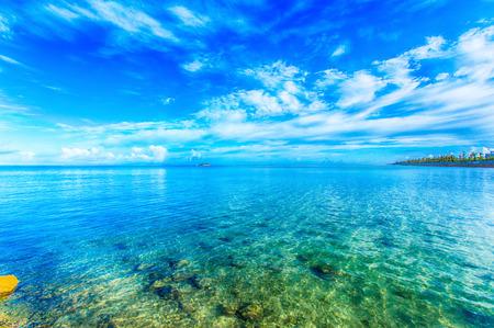 Smaragdgroen zee en de blauwe zee, Okinawa Stockfoto