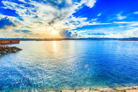 오키나와의 아침 항구