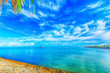 Sea of ??emerald green, Okinawa 免版税图像
