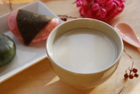 sweet Japanese rice sake called amazake Foto de archivo
