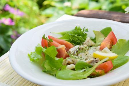 grilled fish salad Standard-Bild