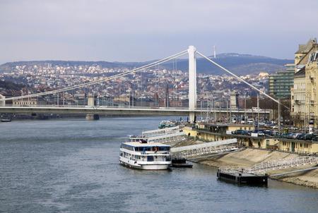 elisabeth: Elisabeth Bridge  across the River Danube in Budapest, Hungary