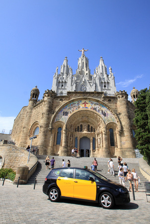 sagrat cor: Expiatory Church of the Sacred Heart of Jesus, Barcelona, Spain