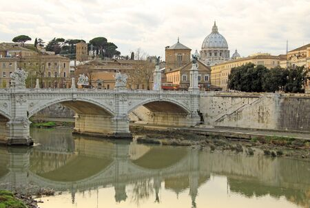 tevere: Rome. View on Papal Basilica of St. Peter in the Vatican Basilica di San Pietro