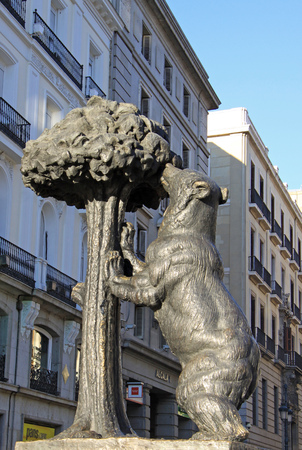 strawberry tree: Symbol of Madrid - statue of Bear and strawberry tree, Puerta del Sol, Madrid, Spain