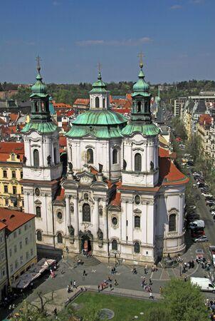 IGLESIA: La Iglesia de San Nicol�s en Praga, Rep�blica Checa Foto de archivo