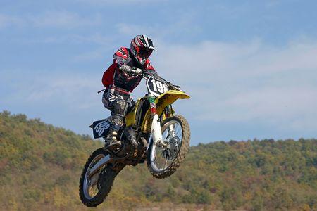 motorsprot: motocross jump