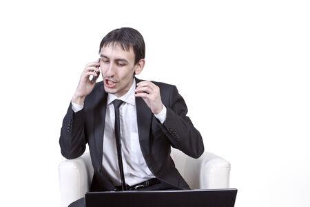 admonester: Homme d'affaires convainc constamment le client par t�l�phone