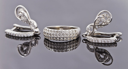 silver jewelry: A set of fine silver jewelry : ring and earring
