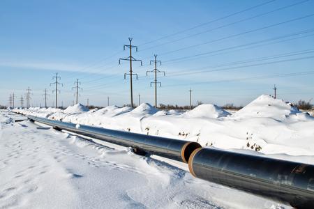 겨울철 고압의 지하 가스 파이프 라인 건설 및 설치