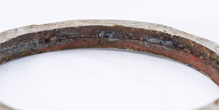 backlash: Cut out defective weld of the pipeline. Defects : slag inclusions, lack of fusion root weld and the offset of the inner diameter