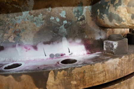 Through crack discovered in the corner of the weld with liquid penetrant inspection