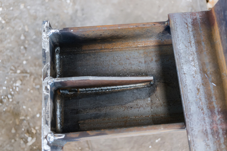 Welds of metal structures made by semi-automatic welding in the environment of shielding gases Imagens