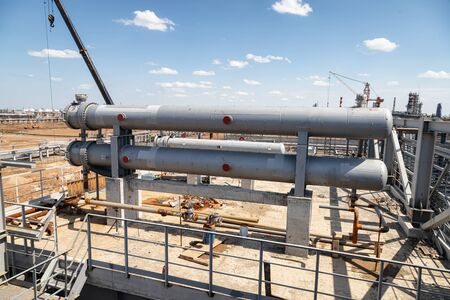 Installation of a pair of heat exchangers on a new installation of the petrochemical complex