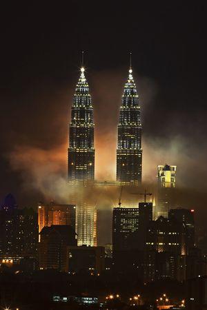 Vuurwerk op Petronas Twin Towers, Kuala Lumpur, Maleisië.