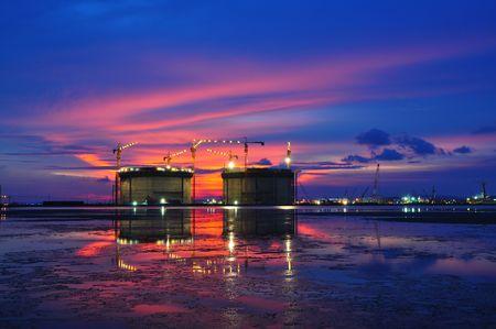 Opslag tank met twilight  Stockfoto