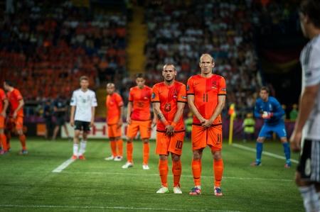 ハリコフ、ウクライナ - 6 月 8 日ヨーロッパのサッカーでサッカーの試合中にアクションでオランダ対デンマーク リーグ 0 1 2012 年 6 月 8 日でハルキ