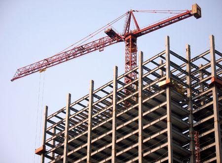 pulleys: Construcci�n de Highrise -- estructura de acero grande con la gr�a