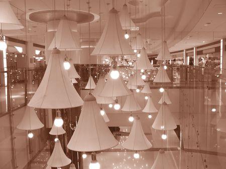 abatjour: Shopping Mall Interni - con grandi lampadari appesi al soffitto