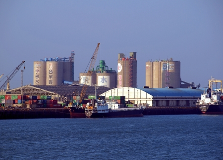 TAICHUNG, TAIWAN -- JANUARY 1, 2014: A partial view of Taichung Port, which is now the second-largest port in Taiwan after Kaohsiung Port. Publikacyjne