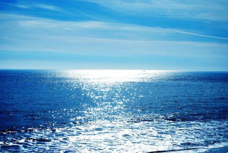 Sun shine maakt het water twinkle op medio dag Stockfoto - 3007558