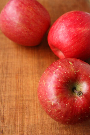 pesticide free: Apples on the cutting board