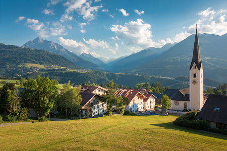 Church village in the village of Patch in Tirol near Innsbruck, Austria 免版税图像